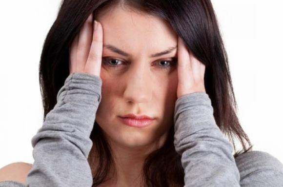 Головная боль напряжения часто встречается среди взрослых
