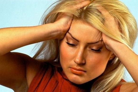 Монотонная тупая боль, распространяющаяся по всей голове с обеих сторон