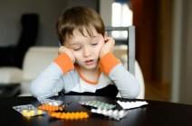 Что дать малышу от головной боли и какие препараты запрещены к применению у детей?