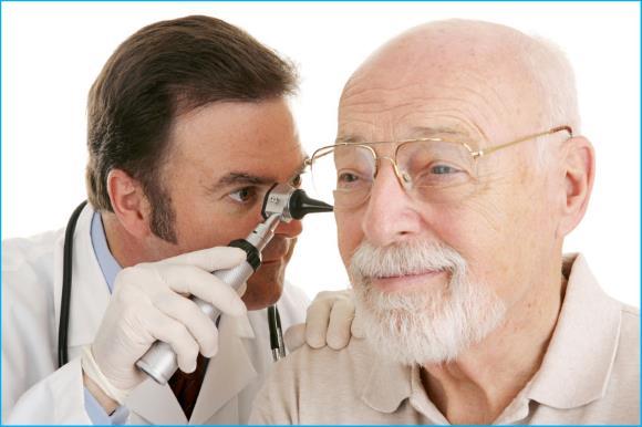 Мужчина у оториноларинголога