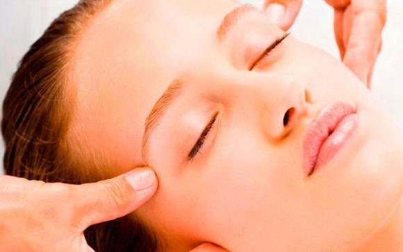 Массаж относится к немедикаментозным способам лечения головных болей