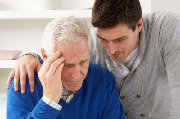 Мужчина с сахарным диабетом страдает нарушением кратковременной памяти