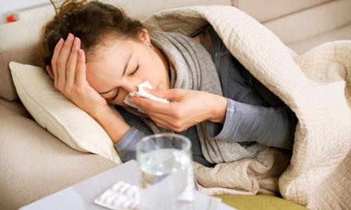 Головная боль сопровождает гриппозные заболевания