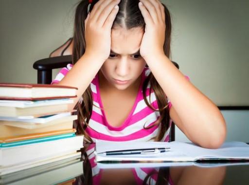 Один из симптомав ВСД - головные боли