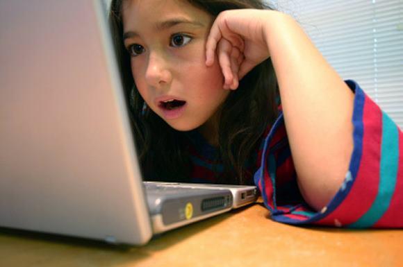 Чрезмерное увлечение компьютером может привести к развитию тензионных головных болей
