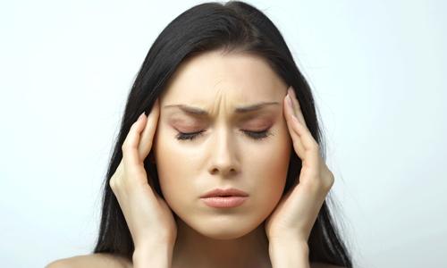 Головная боль вызвана мигренью