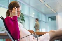 Головная боль во второй половине беременности – как преодолеть неприятный симптом?
