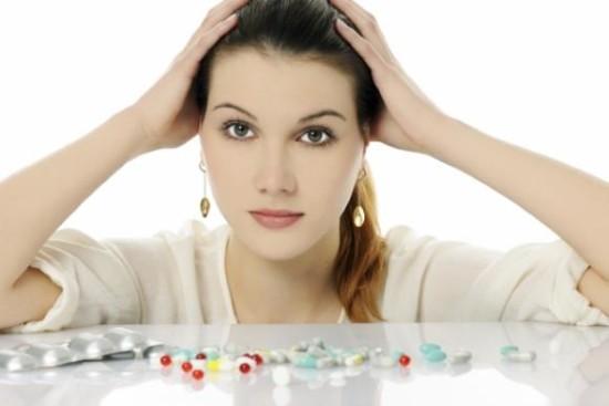 В период лактации не стоит заниматься самолечением и принимать лекарства без назначения врача