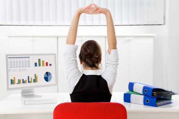 Гимнастика для спины и шеи поможет предупредить боли в затылке