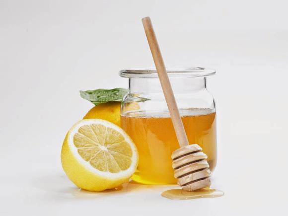 Лимоны и мед помогут при шуме у ушах из-за сосудистой патологии