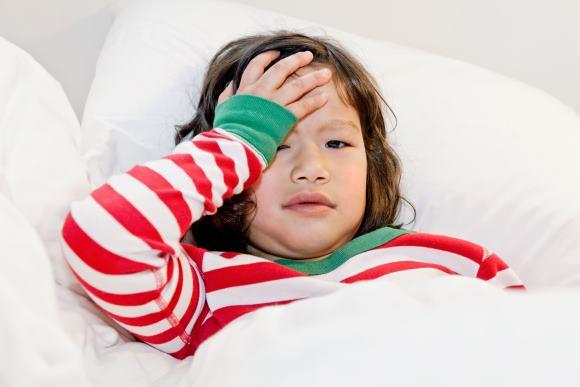 Цефалгия у ребенка может проявляться по-разному