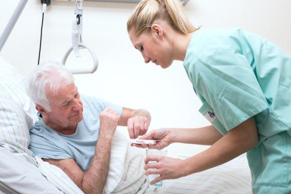 Лечение ишемического инсульта проводится в условиях стационара