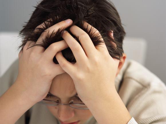 Школьные перегрузки могут вызывать у детей тензионные головные боли