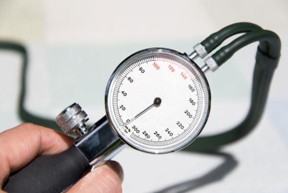 ОНМК по ишемическому типу возможно при резком падении АД