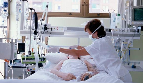 Пациент в коме после инсульта