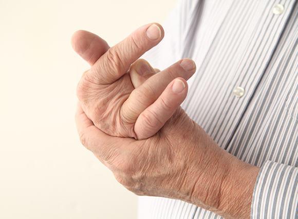 Неловкость кисти при лакунарном инсульте