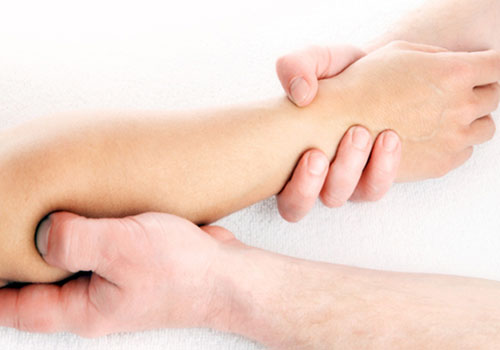 Подготовка к массажу парализованной руки