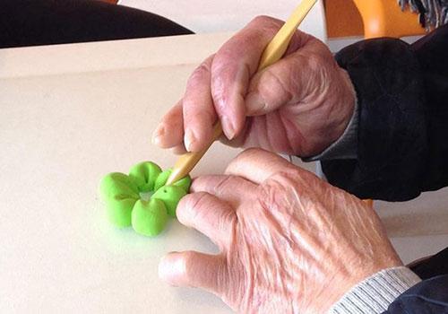 Как вернуть подвижность пальцев после инсульта?