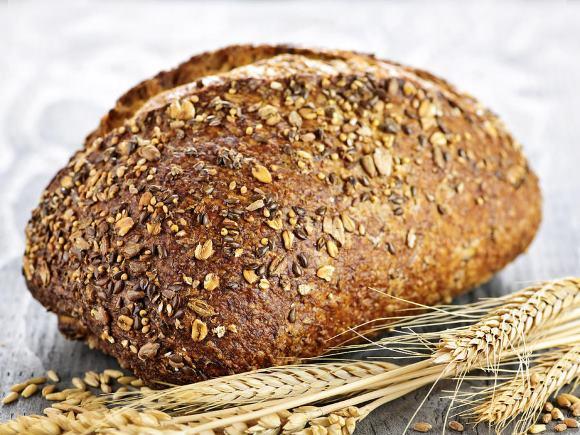 Цельнозерновой хлеб содержит большое количество клетчатки