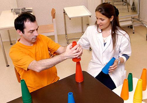 Упражнения для восстановления речи после инсульта