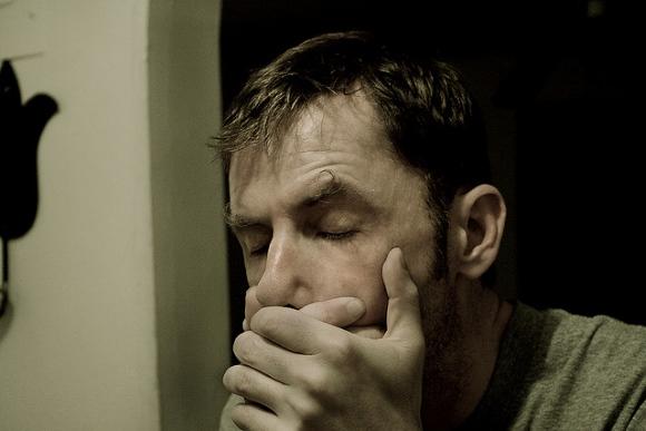 При опухоли мозга могут возникать необъяснимые приступы тошноты