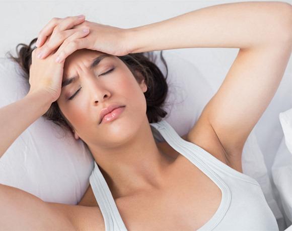 головная боль при менингите в различных положениях