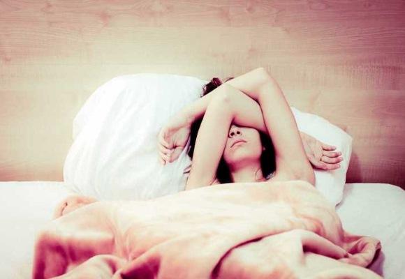 Похмельный синдром у девушки с утра