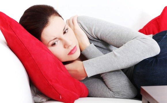 Женщина страдает нейроциркуляторной дистонией