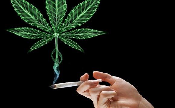 Курение марихуаны может быть причиной возникновения панической атаки