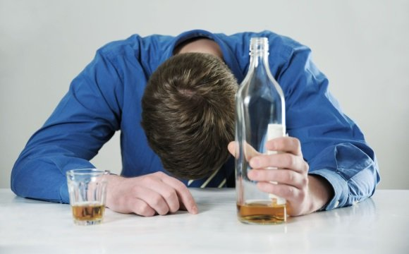 Злоупотребление спиртными напитками