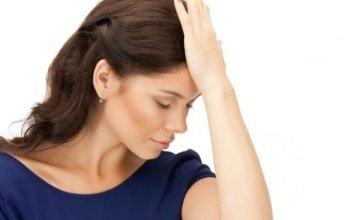Почему возникает головокружение перед месячными и как с этим бороться?