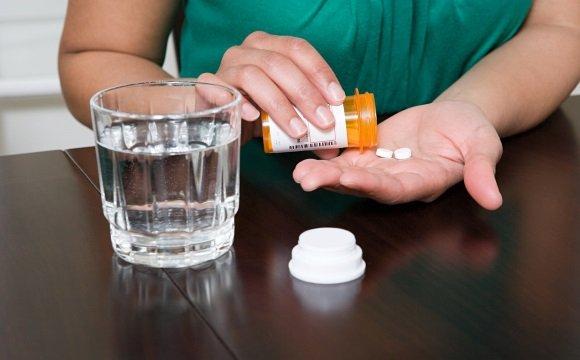 В медикаментозной терапии панических атак широко используют антидепрессанты