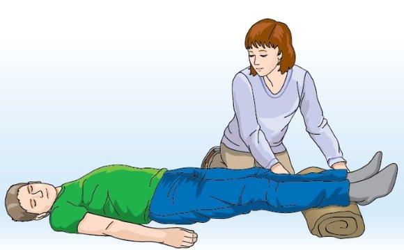 Оказание помощи человеку в обмороке