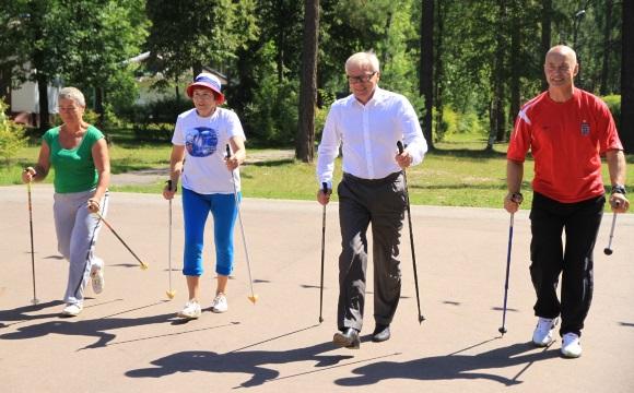 Занятия скандинавской ходьбой