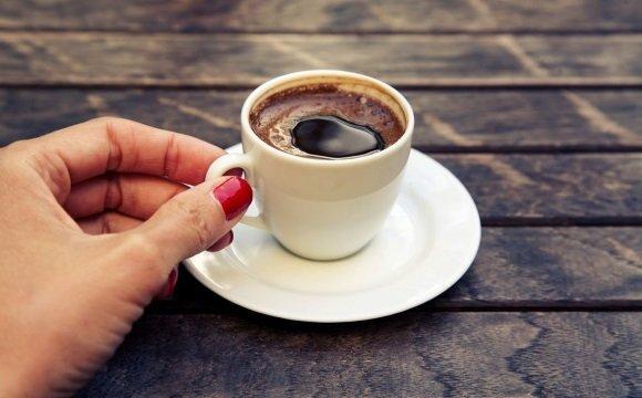 Взбодриться при пониженном АД поможет кофе